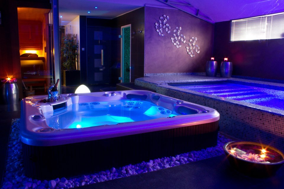 Galerie photos centre de relaxation piscine hammam - Spa jacuzzi belgique ...
